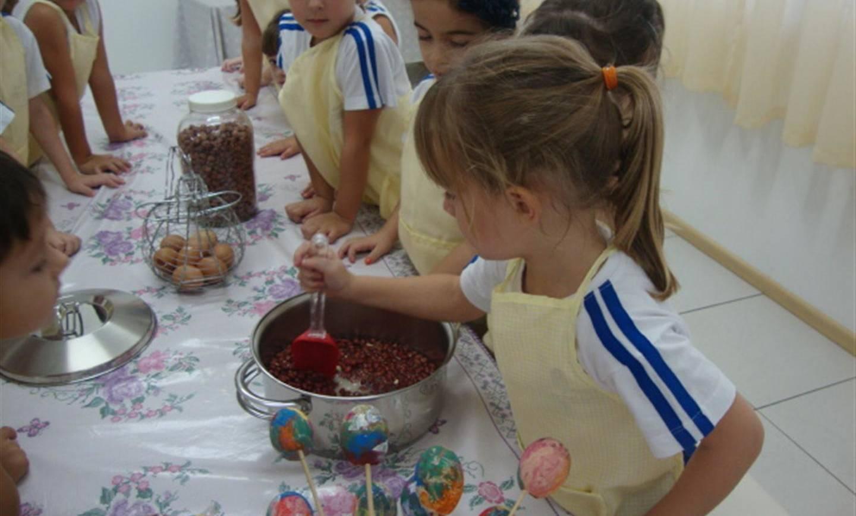 Crianças descobrem curiosidades sobre a Páscoa