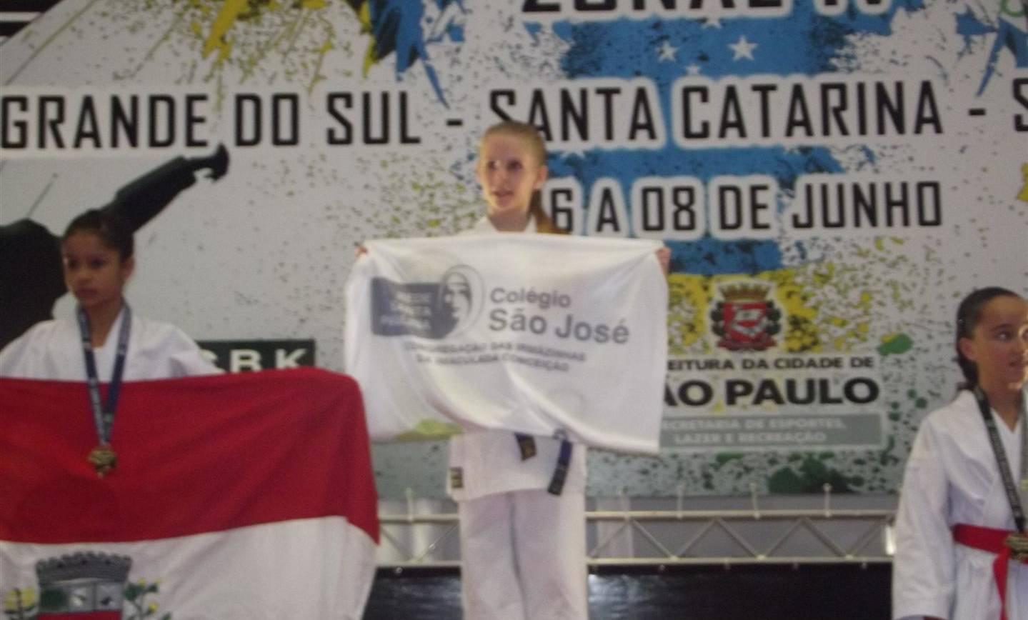 Educanda do Colégio São José se classifica para final do Campeonato Brasileiro de Karatê