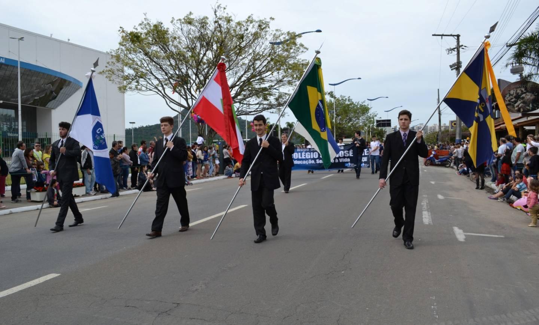 Colégio São José homenageia nossa Pátria