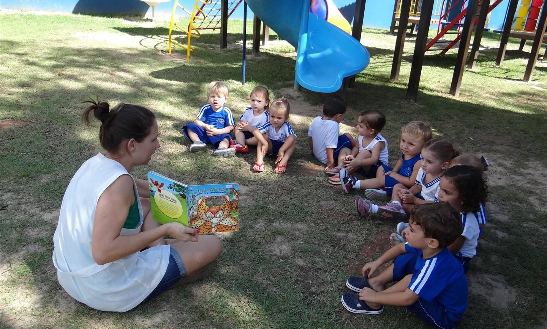 Famílias participam dos momentos de contação de histórias
