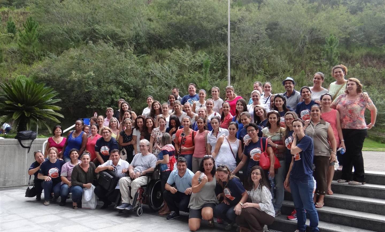 Educadores do CSJ participam de retiro em Nova Trento