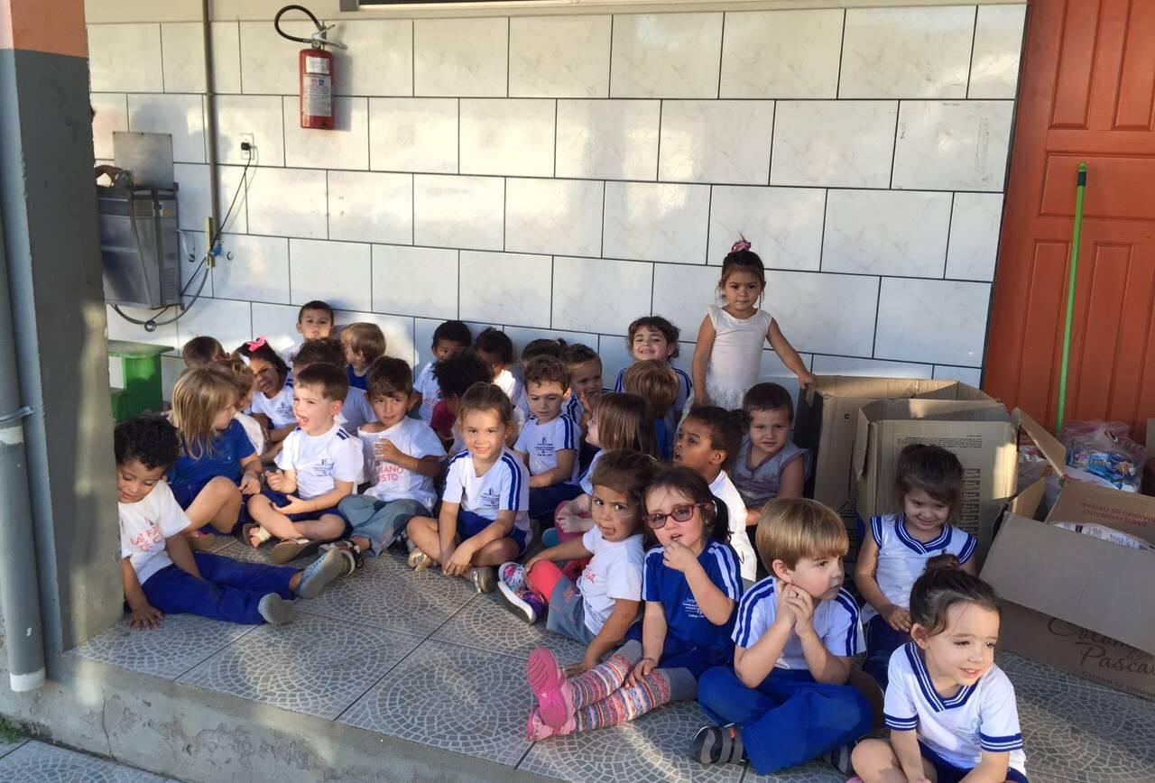 Alunos da Educação Infantil visitam o Lar Fabiano de Cristo
