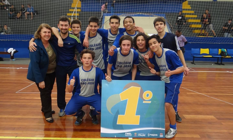 Atletas do Colégio São José são campeões dos Jogos Escolares de Itajaí (JEI)