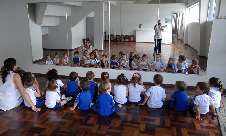 Grupo Lua desenvolve trabalhos na Capela do Colégio São José