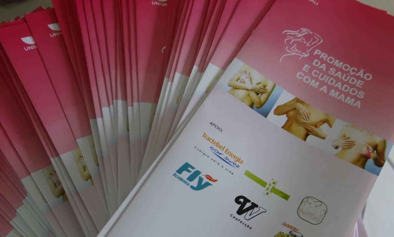 Turma de Medicina realiza palestra no Colégio São José sobre prevenção do Câncer de Mama