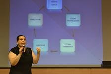 Projeto contra o bullying inicia com palestra para os pais