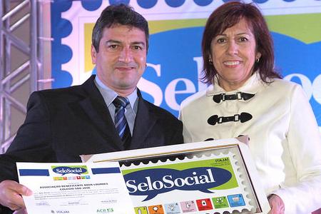 Colégio São José recebe Selo Social
