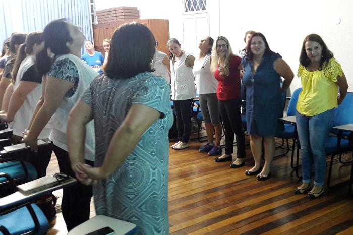 Encontro pedagógico tem palestra sobre cuidados com a voz