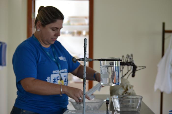 Terceiro Ano estuda os estados físicos da água no laboratório