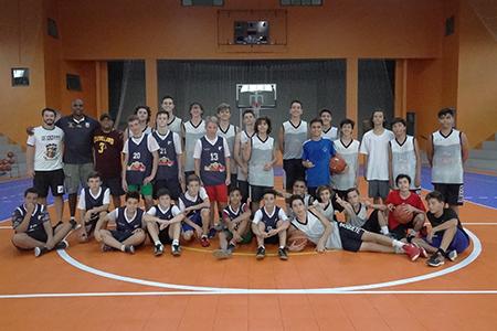 Esporte: CSJ recebe equipe de Nova Trento para treino de basquete
