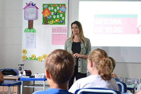 Circuito Literário: Quintos Anos participam de oficina sobre blog