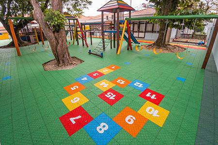 Colégio: CSJ conclui reforma nas quadras e playground