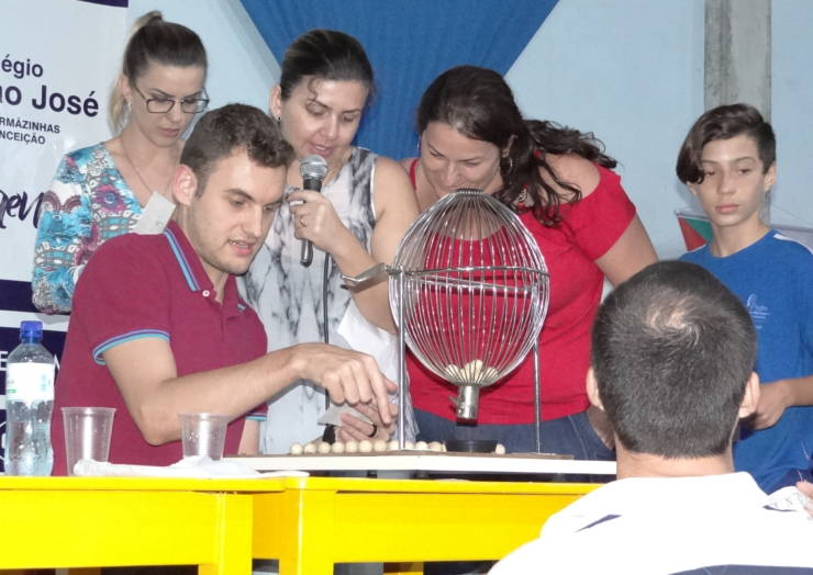 APM promove bingo beneficente