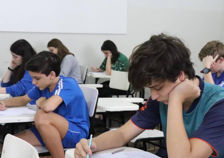 Estudantes realizam prova do Talentos São José